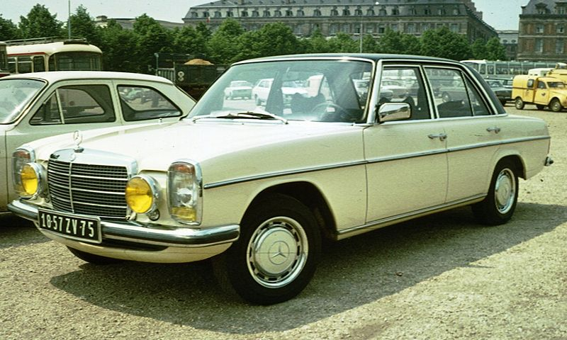 Mercedes-Benz 250 - the automobile manufactured by Mercedes-Benz