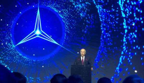 Открытие завода Мерседес-Бенц в России (фото)
