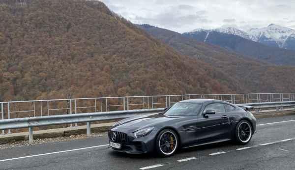 Потестил AMG GTR в горах