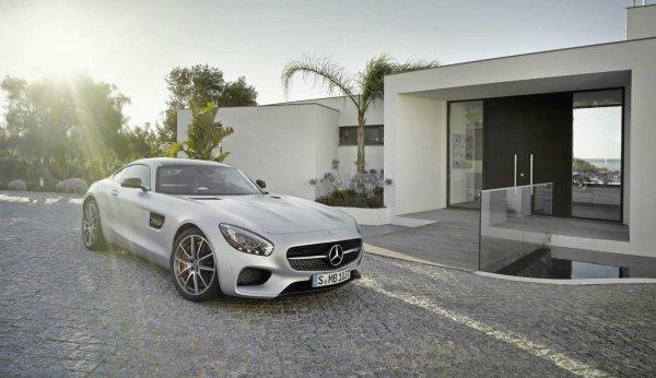 Mercedes официально представила долгожданный AMG GT.