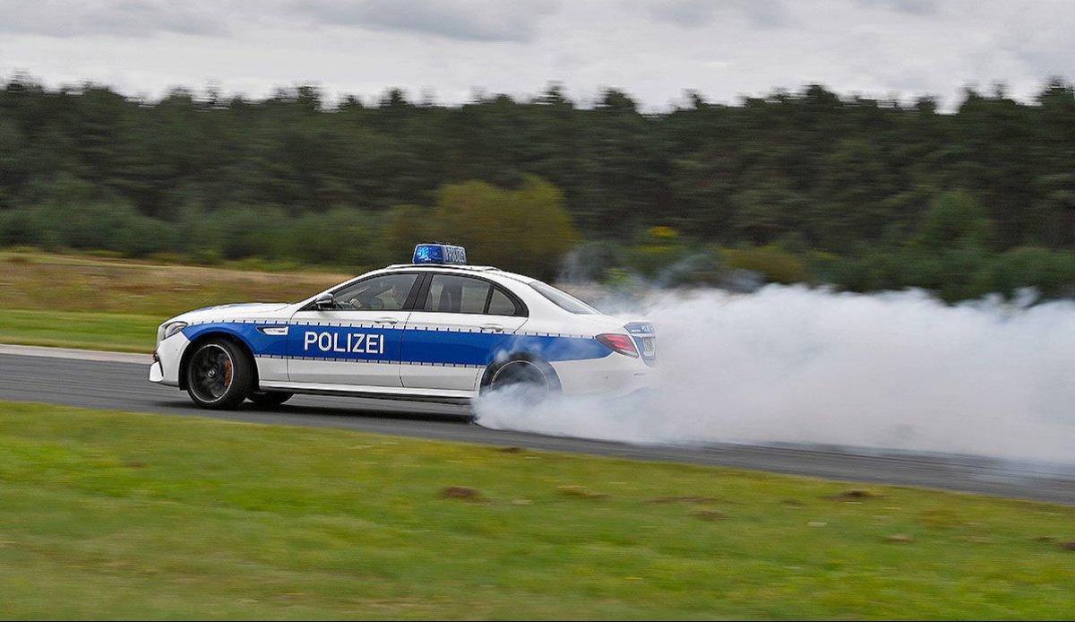 E63 W213 Polizei