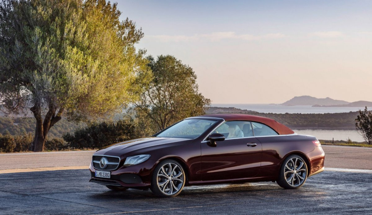Mercedes-Benz E-Class Cabriolet - официально!