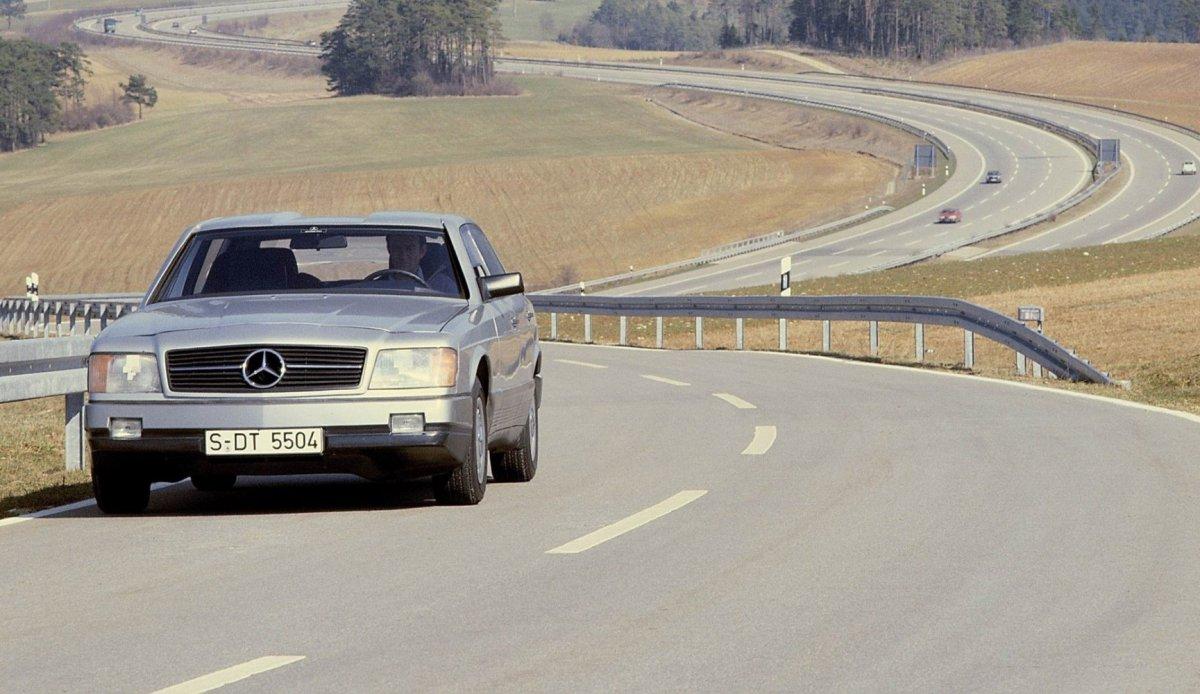 Концепт: Mercedes Auto 2000